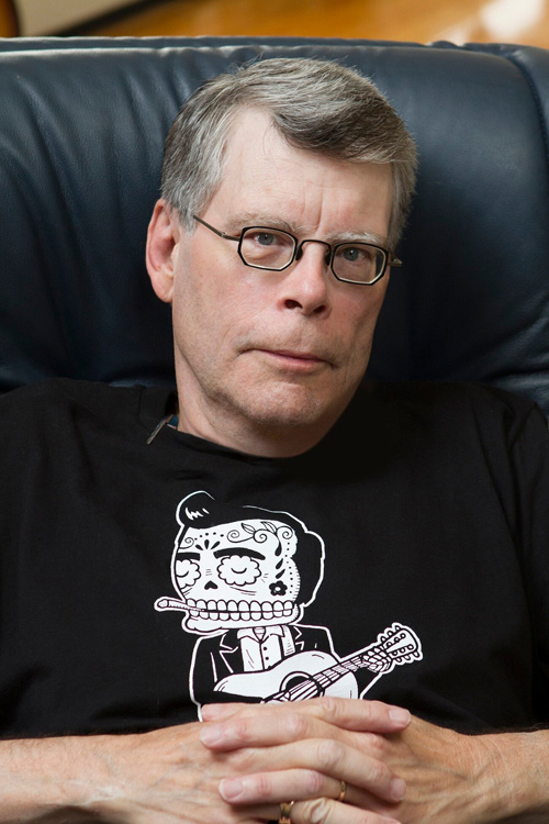 New Stephen King Revisited Contest! Win A Signed Stephen ... Stephen King